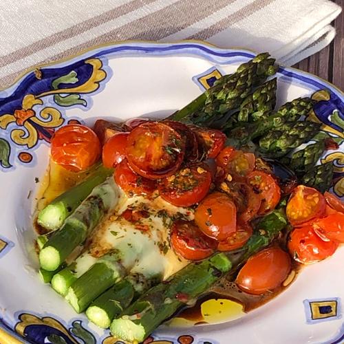 Roasted Asparagus Caprese